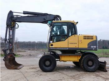 Volvo EW140C Dutch machine / good condition  - bager na kotačima