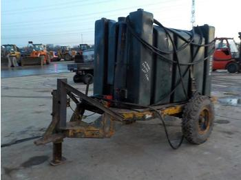Single Axle 1500 Litre Pastic Fuel Bowser - građevinska oprema